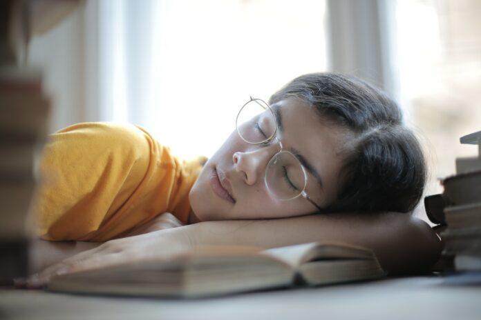 la sieste comme anti-stress
