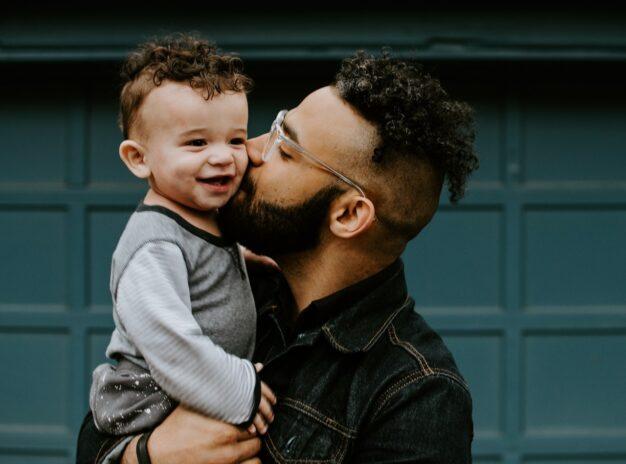 Le congé paternité va doubler en juillet 2021