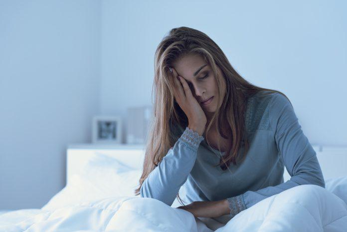 Dépression : Femme dépressive réveillée dans la nuit