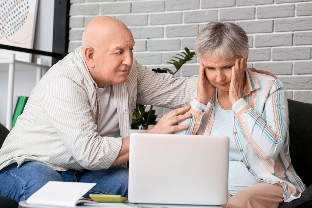 les troubles psychiatriques du sujet âgé : couple de personnes  âgées
