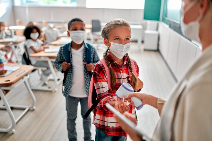 Fake news : le protocole sanitaire à l'école serait inutile