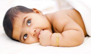 Naissance rarissime d'un bébé hors utérus