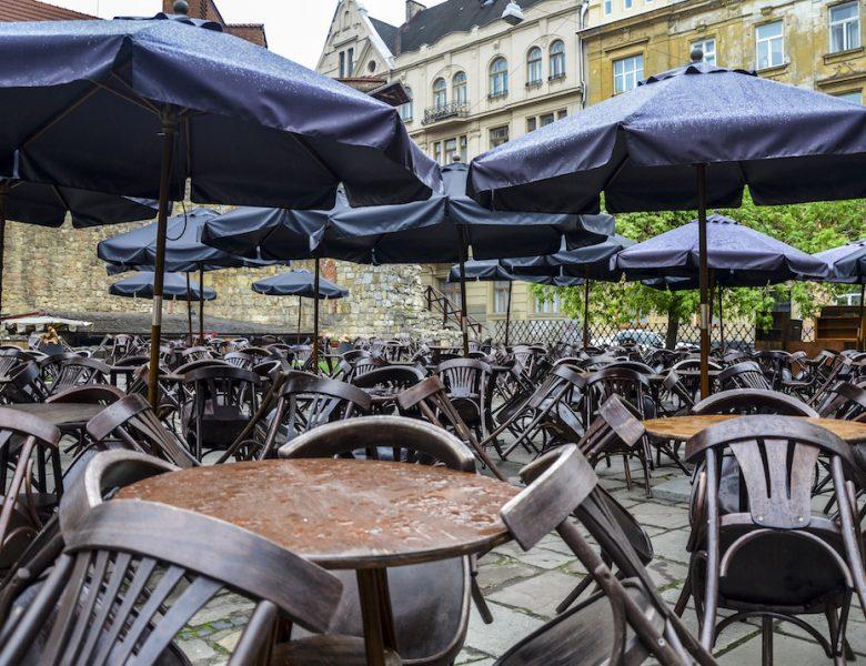 Covid-19 : Pas de réouverture des cafés et restaurants avant le 15 janvier