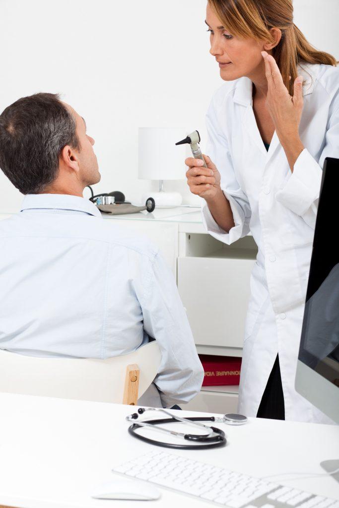 Otite : Diagnostic chez le médecin