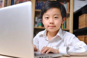 Confinement et écrans : Trois fois plus de myopie chez l'enfant de 6 ans