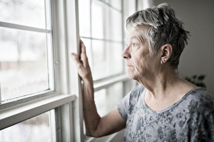 Le-conseil-scientifique-recommande-l'auto-confinement-des-personnes-agees