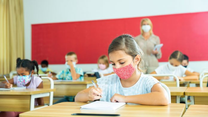 Tests-salivaires-ecoles