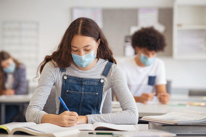 Ecole : la chasse aux variants du coronavirus