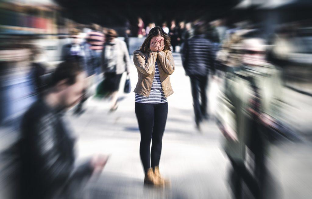 Crise d'Angoisse et Attaque de Panique : d'une femme dans la rue