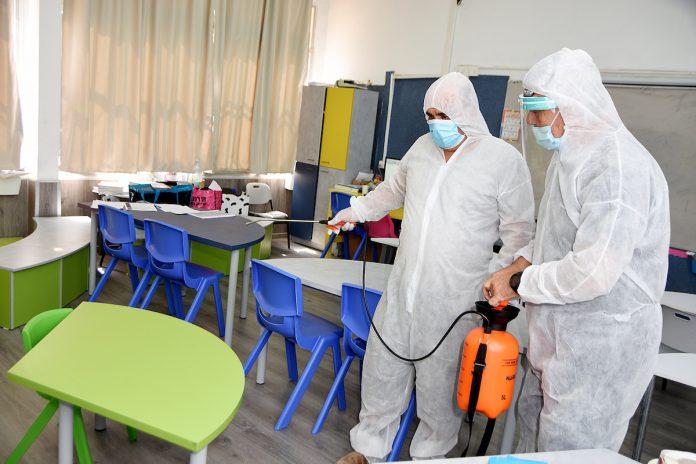 Covid-19 : fermeture des écoles réclamée par les médecins scolaires