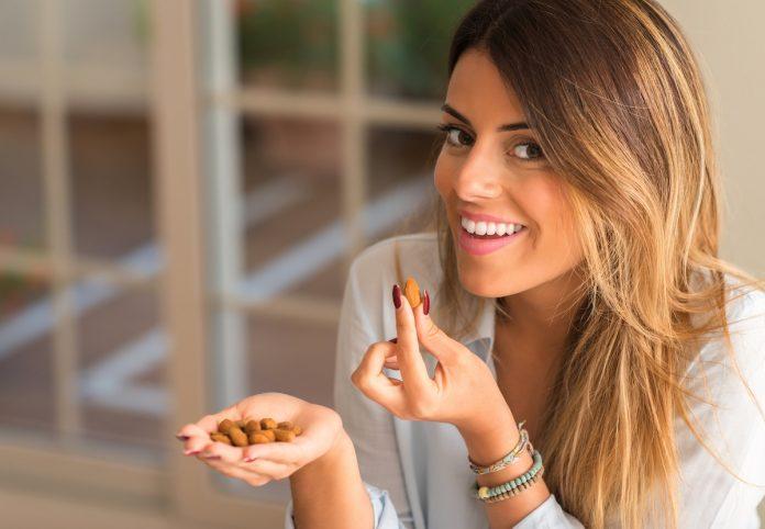 Nutrition : 3 aliments à grignoter sans prendre du poids