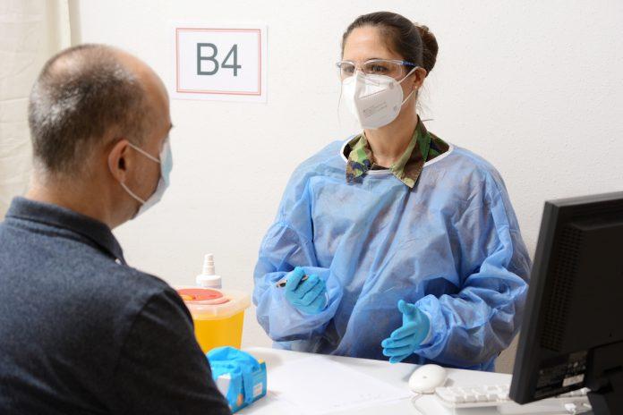 Covid-19 : plus de vaccinodromes ouverts avec l'aide de l'armée
