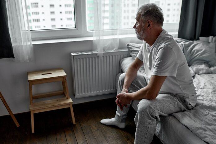 Processus de deuil : homme âgé