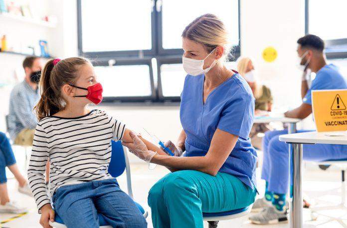 Retrouver une vie normale passera-t-il par la vaccination des enfants ?