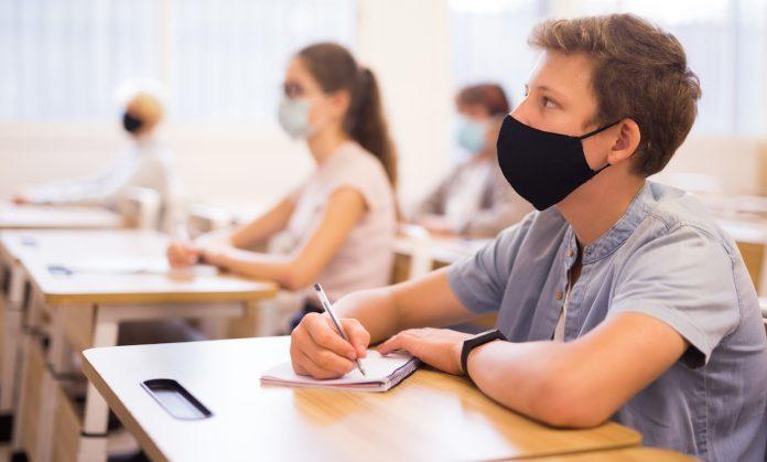 test salivaire à l'école utilisé pour récupérer nos données personnelles