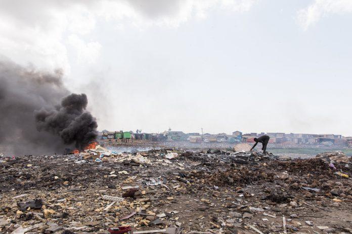 Les déchets électroniques détruisent la santé de millions d'enfants