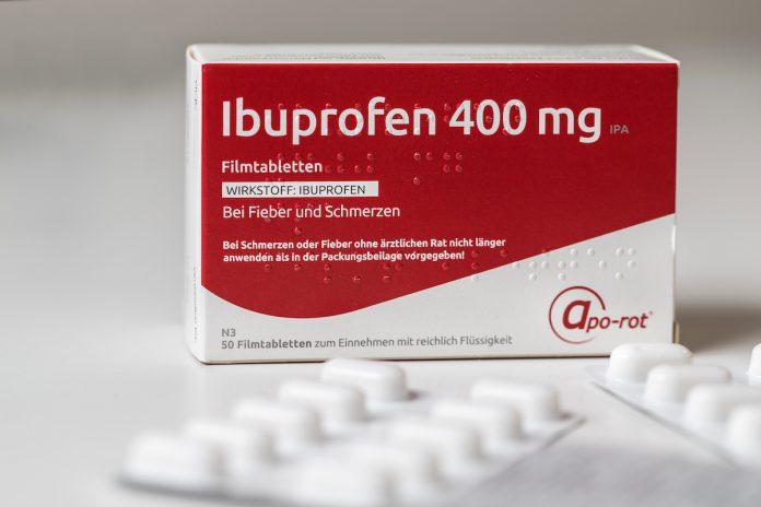 L'ibuprofène soulagerait mieux la douleur que la codéine.