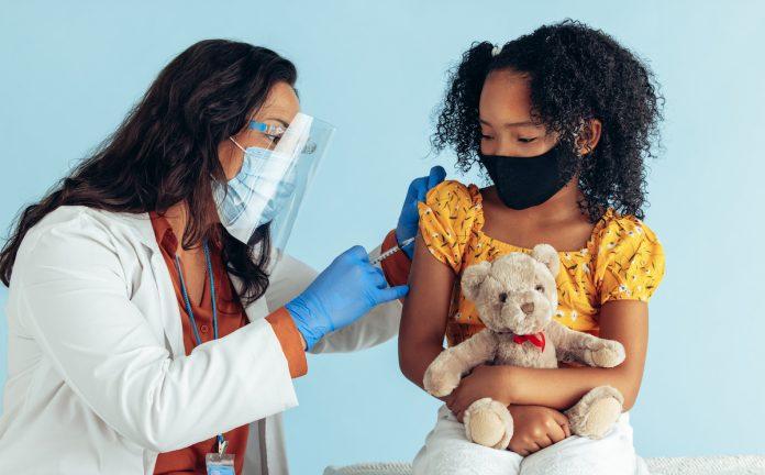 Pfizer-BioNTech : le vaccin est «bien toléré» par les enfants de 5 à 11 ans