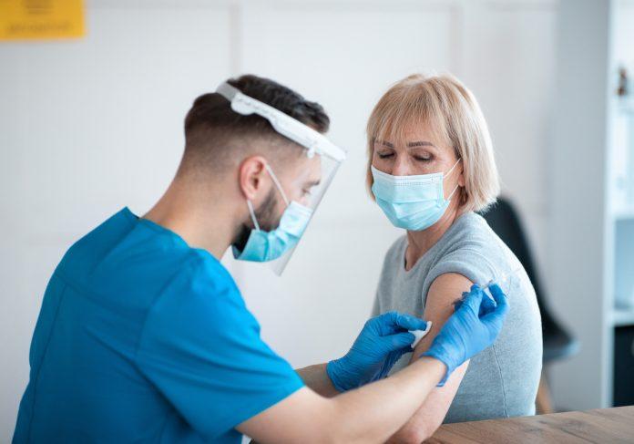 Vaccin Covid : efficace à 90% contre les formes graves, selon une étude française